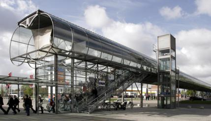 Hannover_Messe_Skyway_01_1226x704_429x246